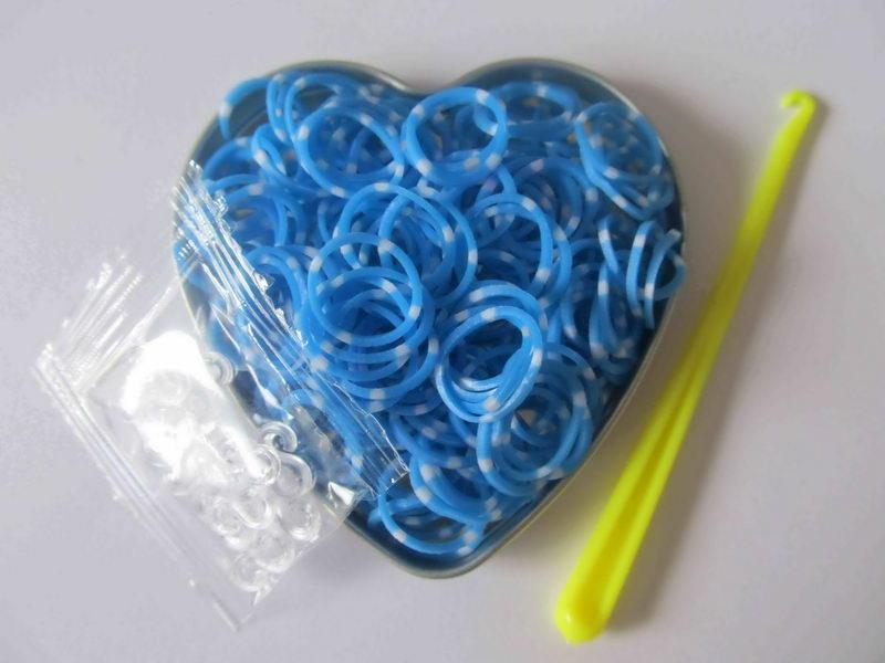 Pletací gumičky - modré s tečkami  c34b21e9c8